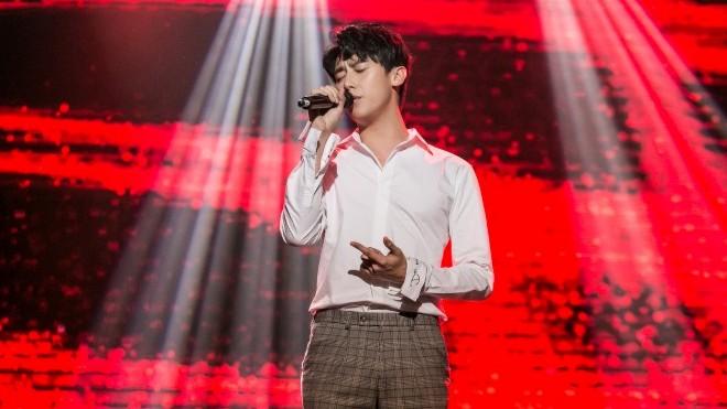 Rocker Nguyễn hát live những 'ca khúc triệu view'