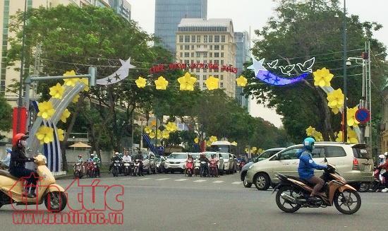 TP Hồ Chí Minh trang trí đường phố chào đón năm mới 2018