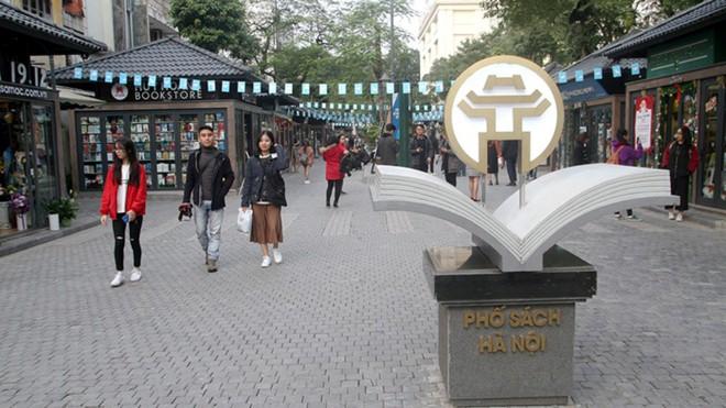 Các dự án đường sách tại Việt Nam: Lý giải sự vắng khách của Phố sách Hà Nội