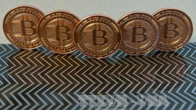 Giá đồng Bitcoin tiếp tục lao dốc, xuống dưới 10.000 USD/bitcoin