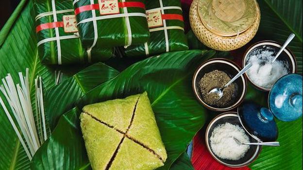 Bánh chưng xanh Quán Ăn Ngon – Đậm đà vị Tết Đoàn Viên