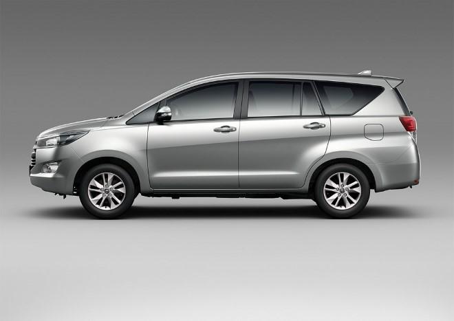 Toyota khuyến mại mùa hè cho Innova