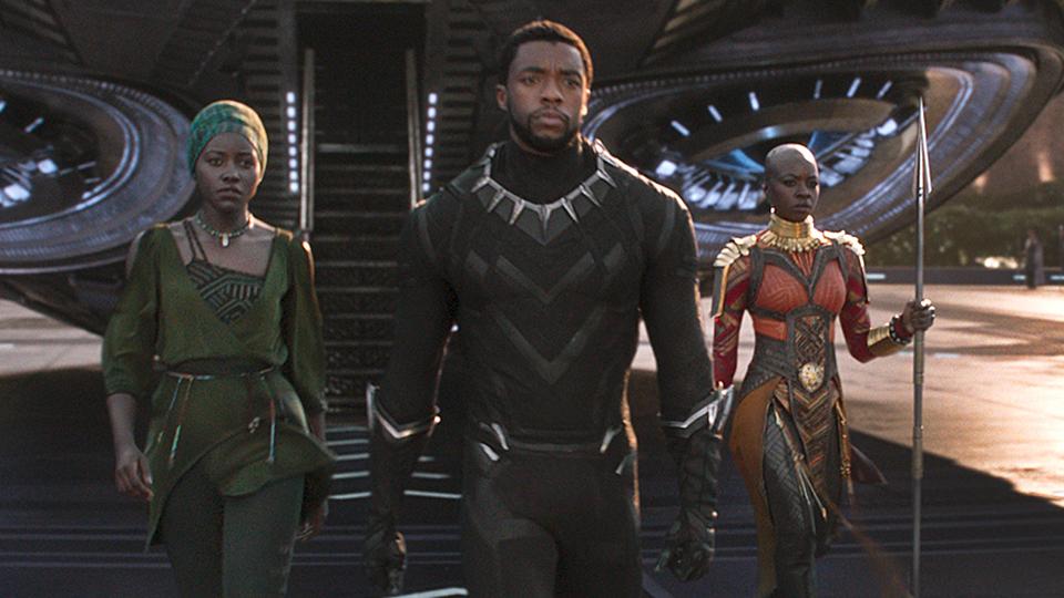 'Black Panther' hất cẳng 'Frozen' ra khỏi Top 10 phim ăn khách nhất mọi thời