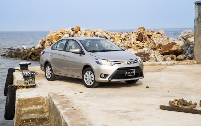 Xe nhập khan hiếm, Toyota đắt hàng xe lắp ráp