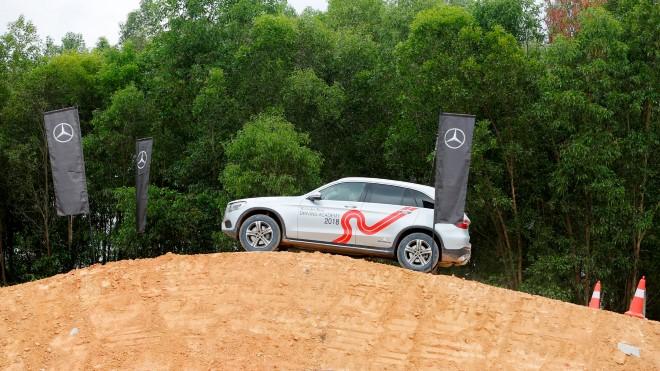 Mercedes trên đường trở thành 'xe sang quốc dân'