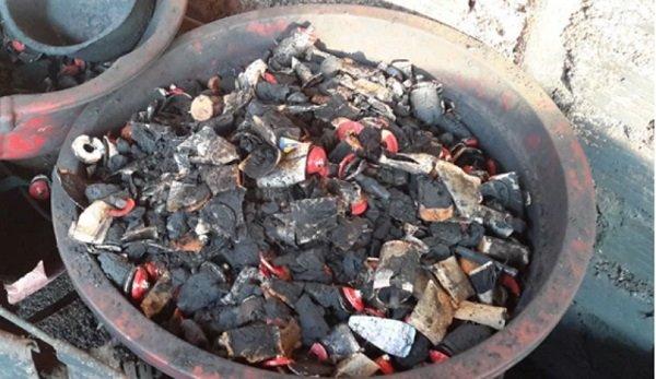 Kinh hoàng cà phê 'bẩn' làm đen bằng lõi pin ở Đắk Nông