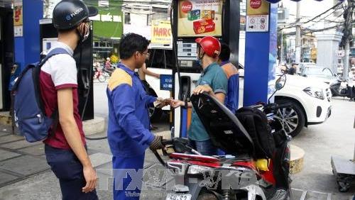 Giữ giá xăng ổn định, tăng nhẹ giá dầu