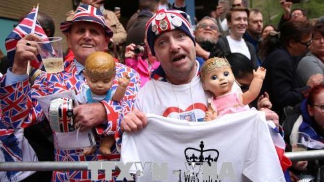Công nương Kate sinh bé trai 3,8 kg, 5 điều thú vị Hoàng gia Anh chào đón thành viên mới