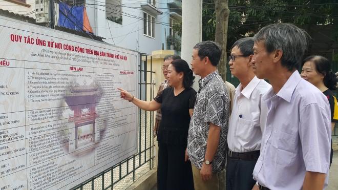 Xây dựng văn hóa ứng xử người Hà Nội: Chưa 'bén rễ' sâu trong thực tiễn