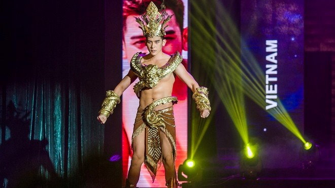 VIDEO: Siêu mẫu Trần Minh Trung xin lỗi vì chỉ vào top 5 Mister International 2018