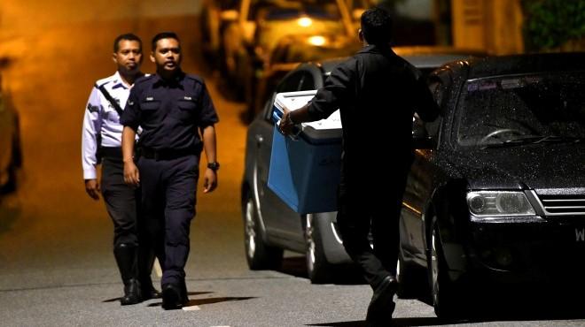 Cảnh sát Malaysia thu giữ 72 bao tải tiền, 284 túi xách hàng hiệu từ nhà cựu Thủ tướng Najib Razak