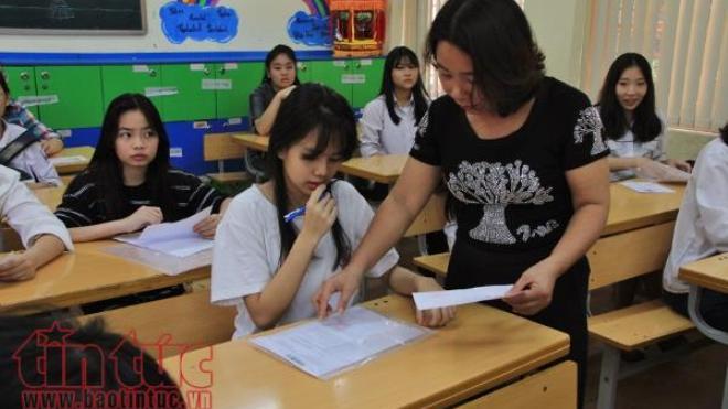 Hà Nội: Yêu cầu học sinh lớp 9, lớp 12 không ra khỏi thành phố