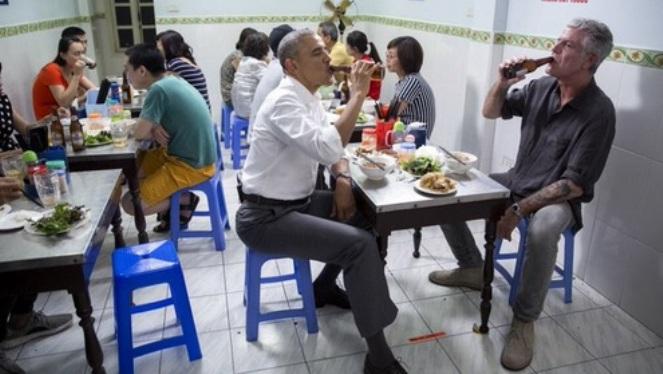 Cựu Tổng thống Mỹ Obama: 'Đây là cách tôi sẽ nhớ về đầu bếp Anthony Bourdain'
