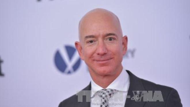 CEO của Amazon Jeff Bezos vượt xa Bill Gates trong danh sách tỷ phú giàu nhất thế giới