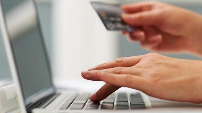 Bắt đối tượng chuyên lừa đảo bán hàng hiệu trên Facebook