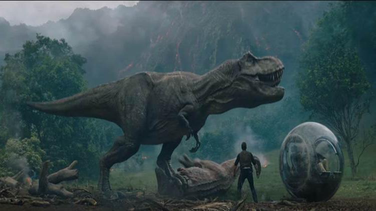 Câu chuyện điện ảnh: Chuỗi ngày bất bại của binh đoàn khủng long và gia đình siêu nhân