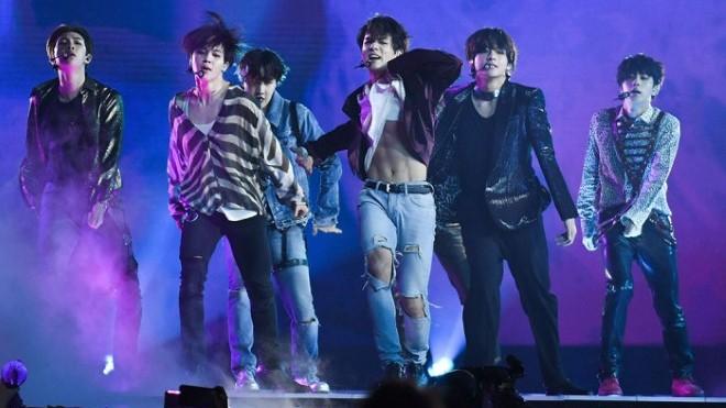 Sao K-pop đang 'truyền lửa' cho ngành thời trang