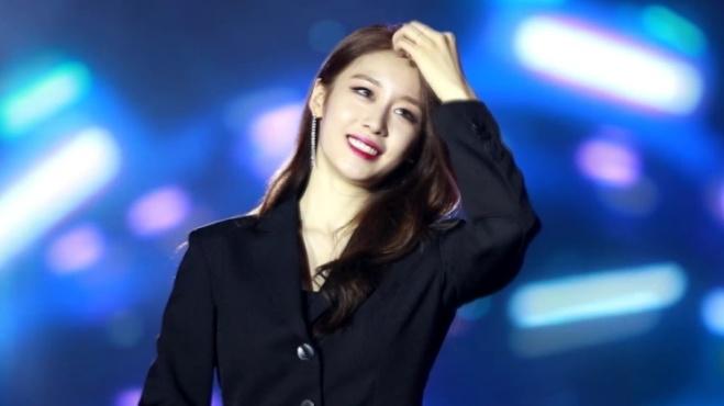 Vì lý do sức khỏe, JiYeon không thể song ca cùng Soobin Hoàng Sơn tại V Heartbeat Live