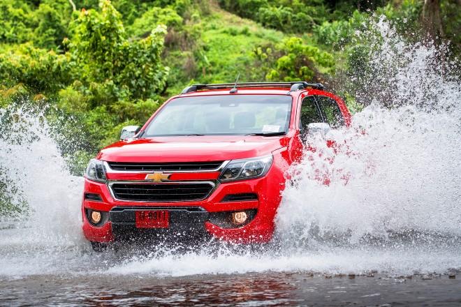 10 lời khuyên khi lái xe đường ngập nước