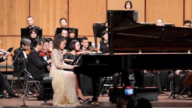 Bất ngờ hội ngộ tài năng piano gốc Việt Nguyễn Vân Anh