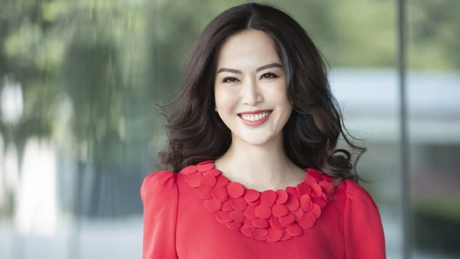 Hoa hậu Thu Thủy 'khoe' vẻ đẹp bất chấp tuổi tác