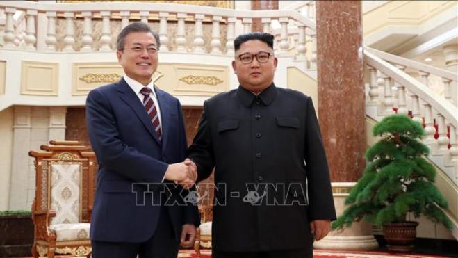 Tổng thống Moon Jae-in muốn đưa ông Kim Jong - un lên núi Halla cao nhất Hàn Quốc