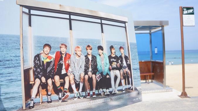 ARMY khắp thế giới đổ về Hàn Quốc chiêm ngưỡng nơi BTS từng quay MV