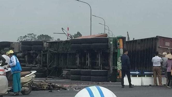 Hà Nội: Tai nạn giao thông nghiêm trọng khiến 2 người chết, 2 người bị thương