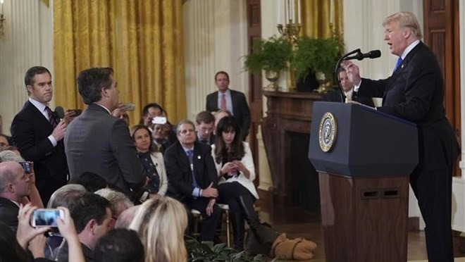 Nhà báo CNN được khôi phục quyền tiếp cận Nhà Trắng sau cuộc đấu khẩu với Tổng thống Donald Trump