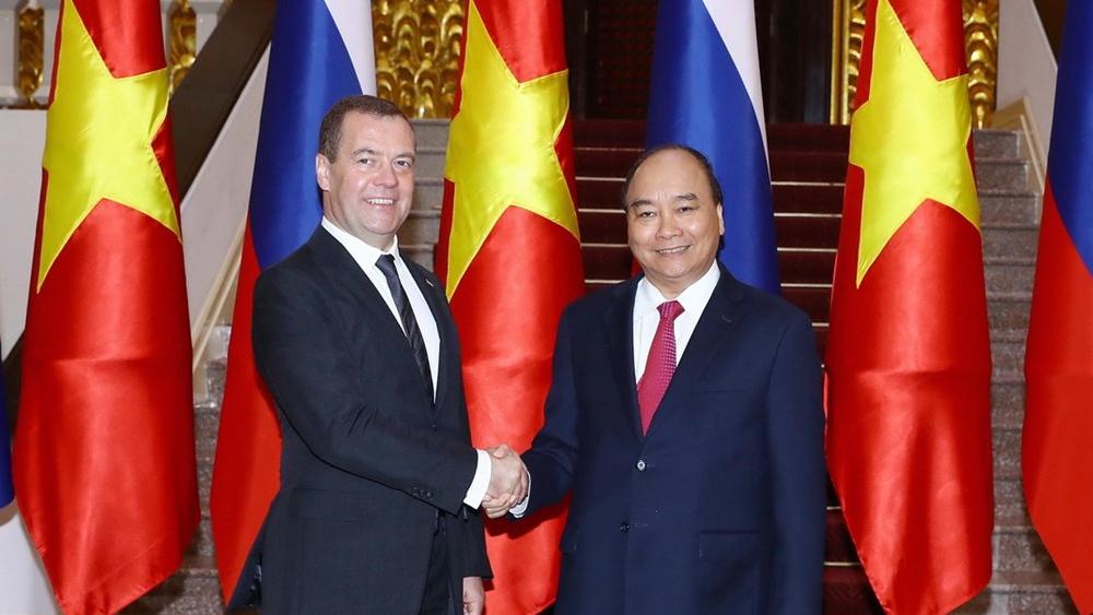 Hình ảnh lễ đón Thủ tướng Nga Dmitry Medvedev thăm Việt Nam