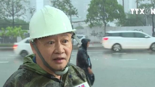 Hàng chục tuyến đường TP HCM ngập sâu do mưa bão