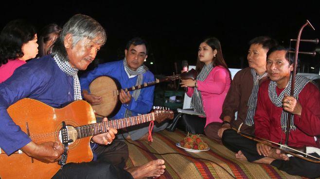 Sự kiện tuần mới: Tuần lễ 'ra quân' của âm nhạc dân tộc