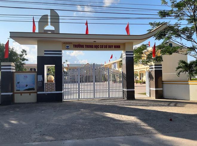Tát bạn, Tát bạn Quảng Bình, Cô giáo quảng bình, Tát học sinh, Học sinh tát bạn, Nguyễn Thị Phương Thủy, khởi tố gô giáo