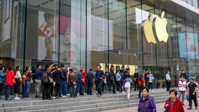 Apple tung ra nhiều chương trình hấp dẫn giới trẻ và nữ giới