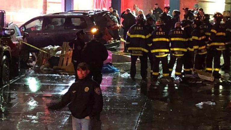 Mỹ: Đâm xe vào đám đông gây thương vong tại New York