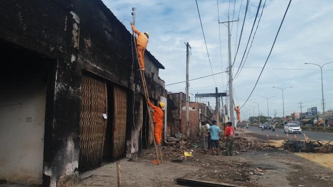 Khởi tố vụ án cháy xe bồn chở xăng dầu làm 6 người chết ở Bình Phước
