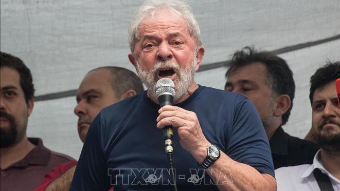 Brazil: Tranh cãi pháp lí về việc trả tự do cựu Tổng thống Lula