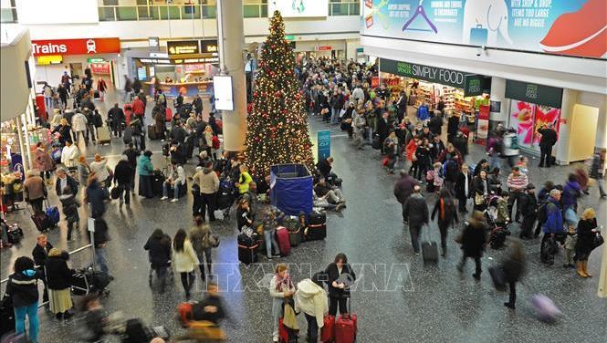 Anh: Sân bay Gatwick hủy 760 chuyến bay do thiết bị bay không người lái