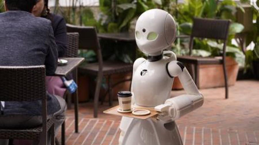 Ấn tượng quán cà phê robot 5G đầu tiên trên thế giới