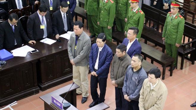 Hoãn xét xử vụ án tai biến y khoa vì vắng mặt bị cáo Hoàng Công Lương