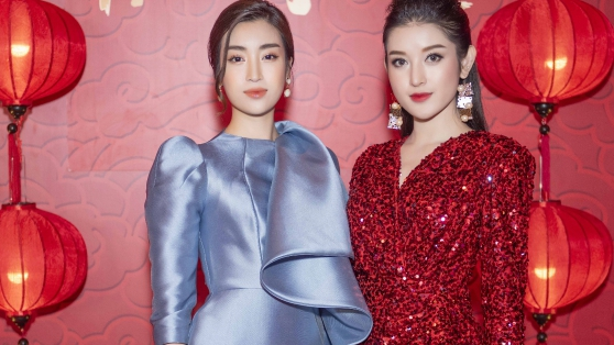 Á hậu Huyền My cực gợi cảm khi 'đọ dáng' cùng Hoa hậu Mỹ Linh