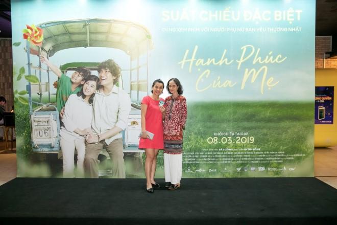 5.000 khán giả xúc động với tình mẫu tử trong phim 'Hạnh phúc của mẹ'