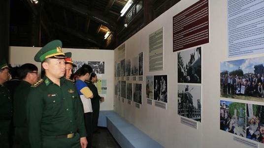 Triển lãm tư liệu về phong trào ủng hộ hòa bình ở Việt Nam'