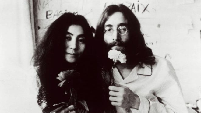50 năm màn diễn 'Bed-In': Vợ chồng John Lennon đã phản đối chiến tranh như thế nào?