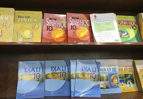 Tăng giá sách giáo khoa, Tăng giá SGK, Giá sách giáo khoa, Giá SGK, SGK, giá sách giáo khoa mới, giá sgk mới