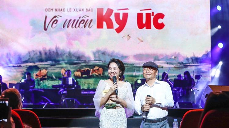 Tác giả Lê Xuân Bắc rưng rưng với 'Về miền ký ức'