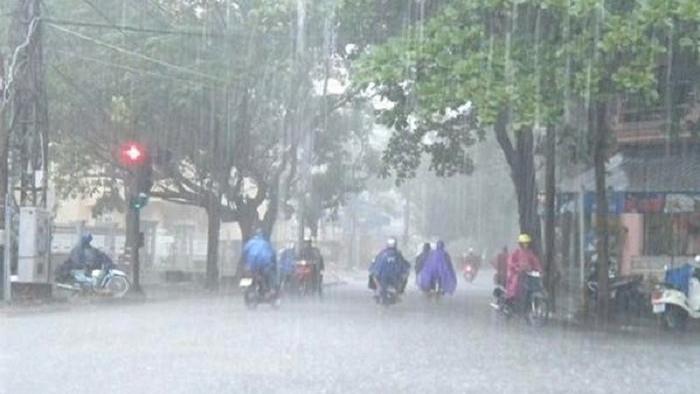 Thời tiết 10/5: Bắc Bộ dịu mát, Trung Bộ vẫn có mưa to đến rất to