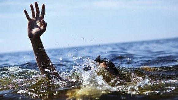 Đau đớn hai cháu nhỏ 7 tuổi đi câu cá bị chết đuối