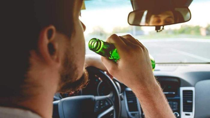 Xử lý lái xe uống rượu bia: Luật cấm gần 150 năm tuổi của Vương quốc Anh