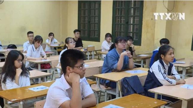 Hơn 85.000 thí sinh làm thủ tục thi lớp 10 Hà Nội
